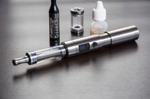 FDA urges stronger regulations on e-cigarettes