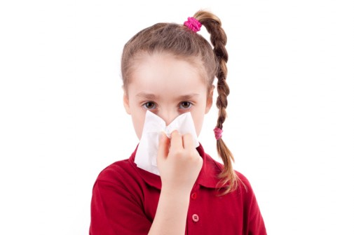Infographic: How to stop your kid's nosebleed