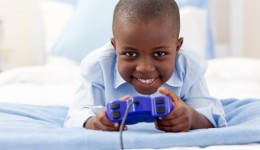 Long hours of video gaming hurts kids' behavior